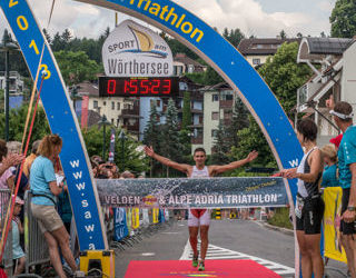 Italien und Slowenien siegreich beim Velden Triathlon 4