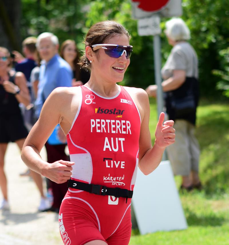 Olympiastarterin Lisa Perterer bei IRON GIRL Run am Start 1