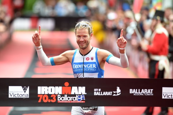 Michael Raelert beim Linz Triathlon am Start 1