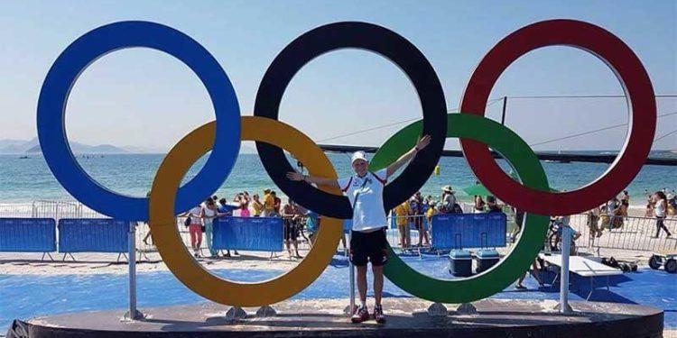 Julia Hauser in Rio vor den Olympischen Ringen