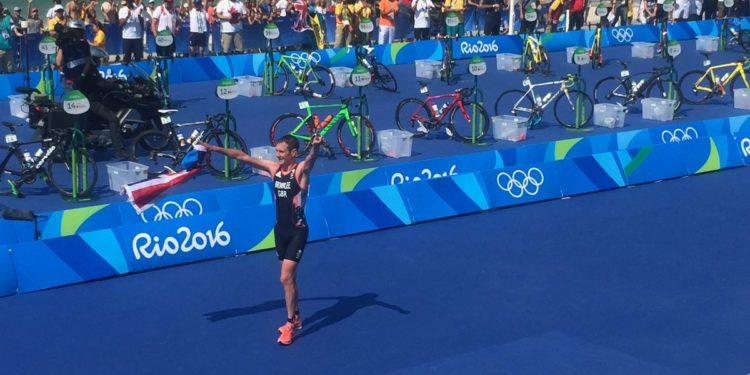 Alistair Brownlee kürt sich zum ersten Doppelolympiasieger (Photo: ITU Media)