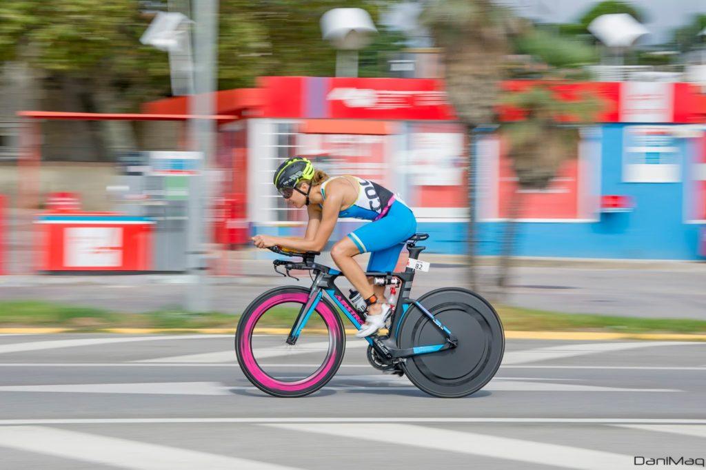 Lisi Gruber gewinnt Triathlon Portocolom 1