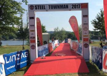 Serie hält: Polizisten gewinnen am Pichlingersee beim Steeltownman 1