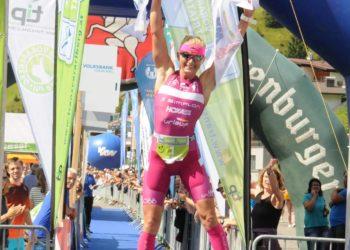 Yvonne Van Vlerken siegt beim Trans Vorarlberg Triathlon
