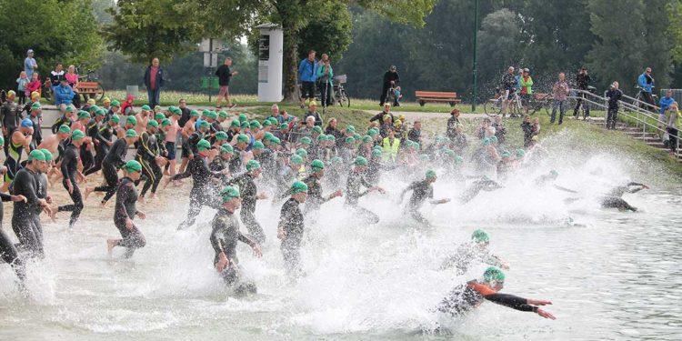 Startschuss zur Auftaktdisziplin im Triathlon