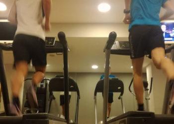 Training auf dem Laufband für Lukas und Philip Pertl