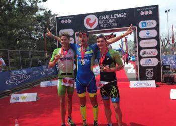 Thomas Steger läuft bei der Challenge Riccione 2018 auf das Podium