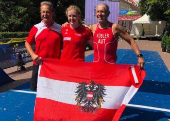 Age Group EM Medaillengewinner aus Österreich: Anna Moitzi und Klaus Kübler mit ÖTRV Vizepräsident Helmut Kaufmann