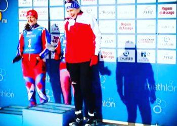 Romana Slavinec holt Rang 3 bei der Wintertriathlon Weltmeisterschaft 2019