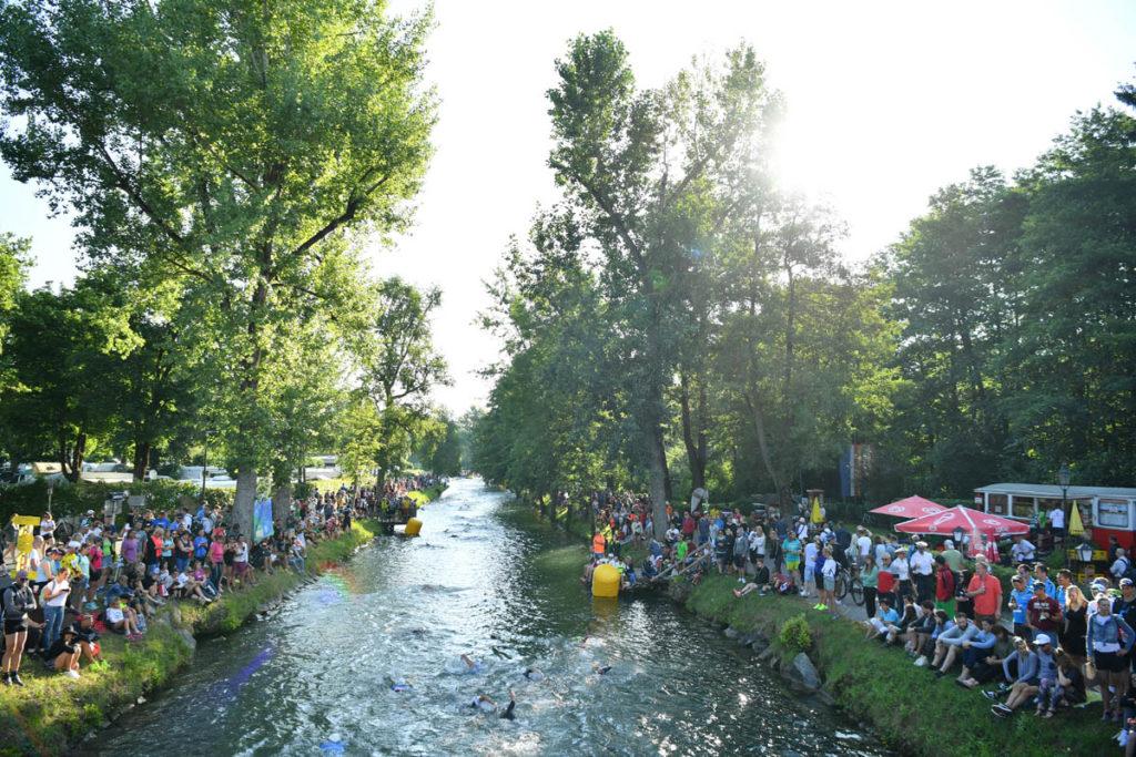 IRONMAN Austria: Die besten Bilder der Schwimmstrecke 1