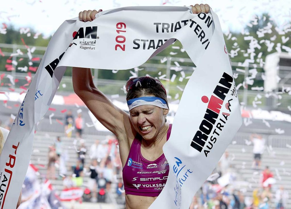 Bianca Steurer holt beim IRONMAN Austria 2019 Rang 2 | Foto: Getty Images for IRONMAN