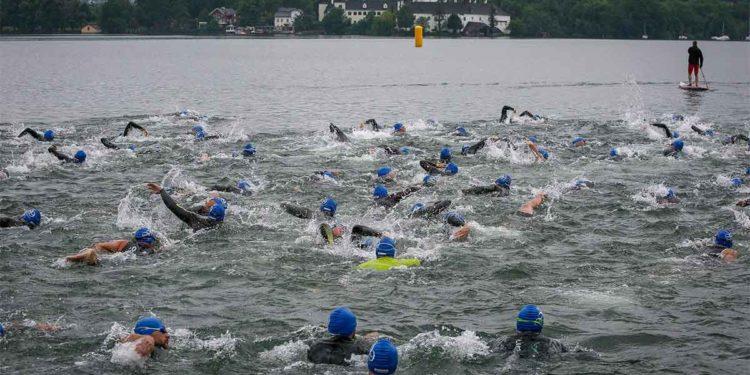 Start zum Gmunden Triathlon   Foto: Hans Feitzinger