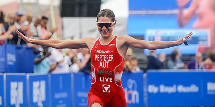 Lisa Perterer jubelt über die nächste Top 10 Platzierung | © Zafere