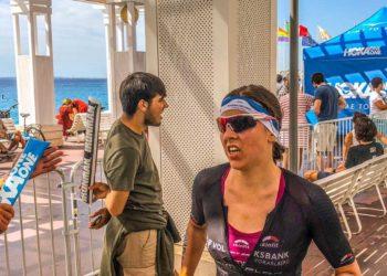 Bianca Steurer kämpft bei der IRONMAN 70.3 WM 2019 in Nizza