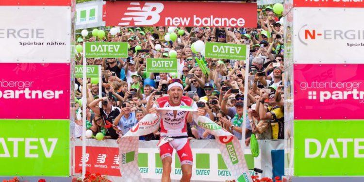 Jan Fordeno gewinnt die Challenge Roth mit neuer Weltbestzeit | Foto: TEAMCHALLENGE/Christoph Raithe