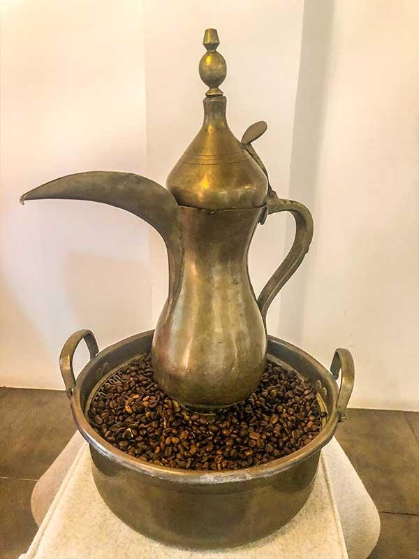 Alte Bahrainische Kaffeekanne